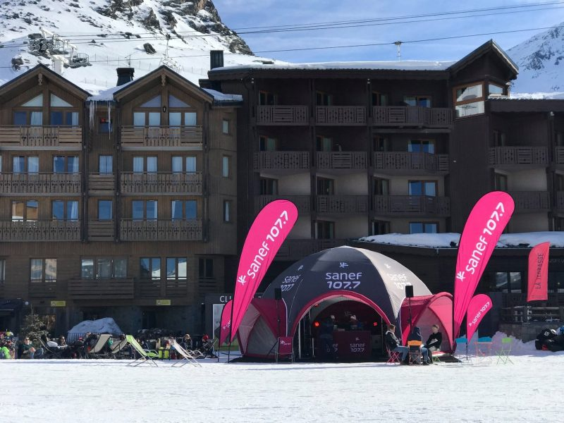 Studio mobile Sanef 107.7 l'accompagnement des voyageurs jusqu'au pied des pistes à Val Thorens - 2019