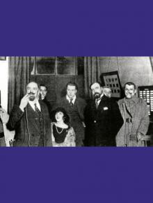 1921 – 29 décembre Inauguration officielle du Poste de la Tour Eiffel.